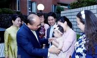 Primer ministro de Vietnam se reúne con compatriotas en Japón