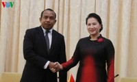 Vietnam refuerza lazos con los parlamentos de Filipinas y Timor-Leste