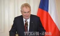 Presidente checo visitará Vietnam
