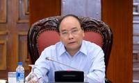 Primer ministro de Vietnam preside la reunión sobre cooperación comercial Vietnam-UE
