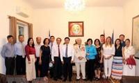 Los vietnamitas en el extranjero son parte inseparable de la Patria, afirma canciller Pham Binh Minh