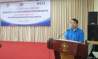 Promueven negociación social en la industria textil vietnamita