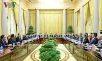 Presidente vietnamita trabaja con líderes de Comité Económico Japón-Vietnam