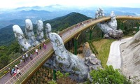 El Puente Dorado, una nueva obra maestra en la colina de Ba Na