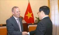 Vietnam y Reino Unido estrechan lazos