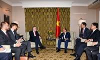 Premier vietnamita sostiene reuniones con altos funcionaros de la Unión Europea
