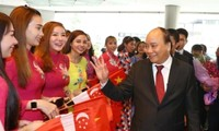 Primer ministro de Vietnam asiste a la Cumbre de Asean en Singapur