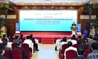 Primer ministro de Vietnam trabaja con autoridades de Hoa Binh