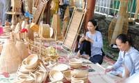 Octavo festival de artesanía tradicional de Hue