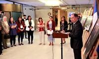 Inauguran en Chile exposición fotográfica sobre Vietnam