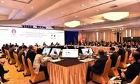Asean se compromete a promover liberalización de servicios financieros