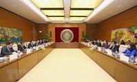 Vietnam y Laos refuerzan cooperación parlamentaria