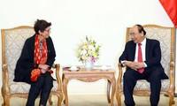 Premier de Vietnam recibe a embajadora noruega