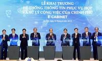 Premier de Vietnam preside el primer encuentro gubernamental a través del sistema e-Cabinet