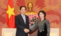 阮氏金银会见中国驻越大使洪小勇