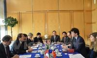 越南和法国加强信息与通信技术合作