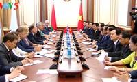 陈大光会见白俄罗斯国民会议代表院主席安德烈琴科和总理科比亚科夫