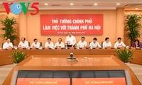 阮春福与河内主要领导同志座谈