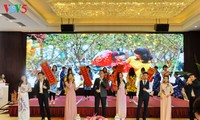 旅居广西的越南人一向心系祖国