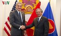美国与东盟关系日益务实发展