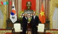 陈大光会见韩国外交部长官康京和