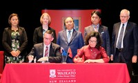阮春福与新西兰怀卡托大学学生对话