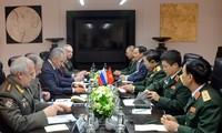 加强越俄军事合作