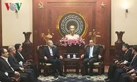 胡志明市市委书记阮善仁会见伊朗伊斯兰议会议长阿里•拉里贾尼
