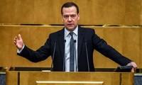 俄罗斯:普京提名梅德韦杰夫为俄政府新总理