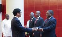 莫桑比克一向重视并希望加强与越南的关系