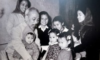 """""""胡志明主席与儿童""""展在河内举行"""