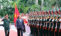 阮春福:越南需要更多类似Viettel的企业