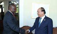 推动越南-南非多领域合作