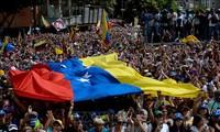 委内瑞拉总统马杜罗:军队逃兵在哥伦比亚策划阴谋