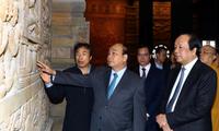 阮春福检查2019年联合国卫塞节准备工作