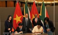 越南和南非同意加强全面友好合作关系