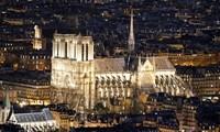 法国总统马克龙希望在5年内完成巴黎圣母院大教堂重修