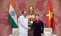 阮氏金银会见印度副总统奈杜