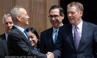 美国继续推动与中国的贸易谈判
