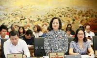 越南14届国会7次会议讨论经济社会情况
