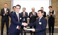阮春福出席越南-挪威企业论坛