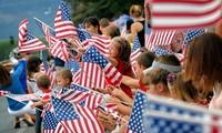 美国国庆243周年纪念会举行