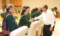 越南政府副总理张和平会见广驼交运老突击青年干部和战士联络部代表团