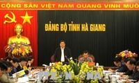 Le chef de la commission centrale d'organisation en déplacement à Ha Giang