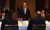 Nguyen Xuan Phuc rencontre des Australiens investissant au Vietnam