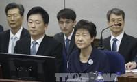 L'ex-présidente sud-coréenne condamnée à 8 ans de prison supplémentaires