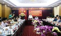 Le vice-président de l'AN Phùng Quôc Hiên en visite à Bac Kan