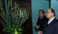 Nguyên Xuân Phuc rend hommage au président Hô Chi Minh