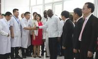 Dông Hoi: Des officiels cubains visitent l'hôpital d'amitié Vietnam-Cuba