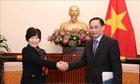 La vice-ministre japonaise des Affaires étrangères en visite au Vietnam